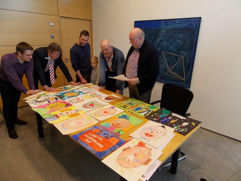 Das Foto zeigt die Jury mit (v.l.n.r.) Dirk Aufderheide, Jürgen Wedig, Holger Sergel mit Sohn Mats, Norbert Hanowski und Heinz-Dieter Kalthoff.